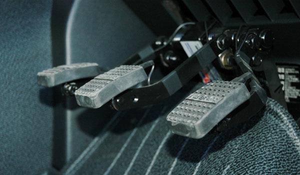 Doble mando de autoescuela